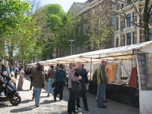 Artists ready to meet the day's tourists at Art Plein Spui