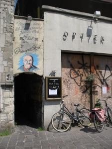 The top secret alley entrance...