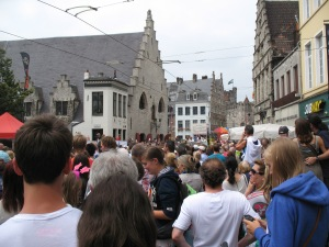Crowds watching the Gent Festival opening parade