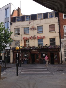 The Old Ship - charming British pub in downtown Richmond (I didn't go inside)
