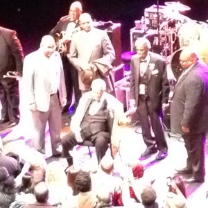 BB King is rushed by adoring fans at the end of the show!